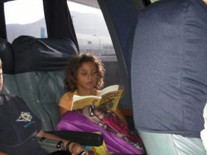 tessa-reading-on-the-bus