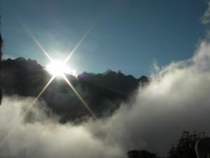 sunrise-machu-picchu