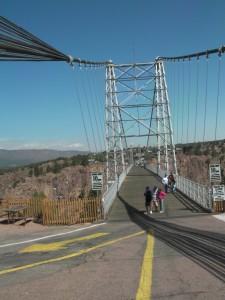 R suspension bridge