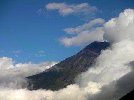 A glimpse of Tungurahua